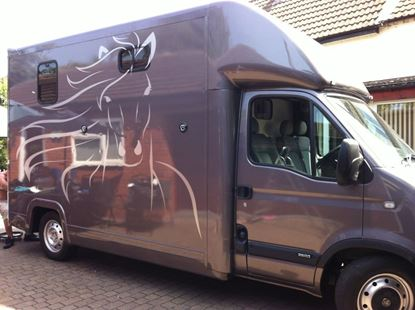 Picture of 3.5 ton Horse Box Horses head  Stickers