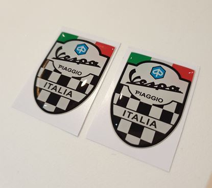 Picture of Vespa Italia 40mm tall Badges